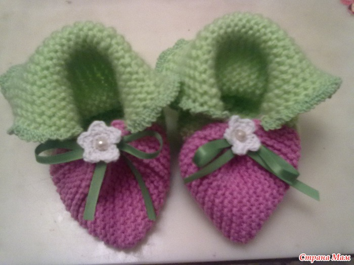 вязание пинетки клубнички для ребенка схема вязания фото описание