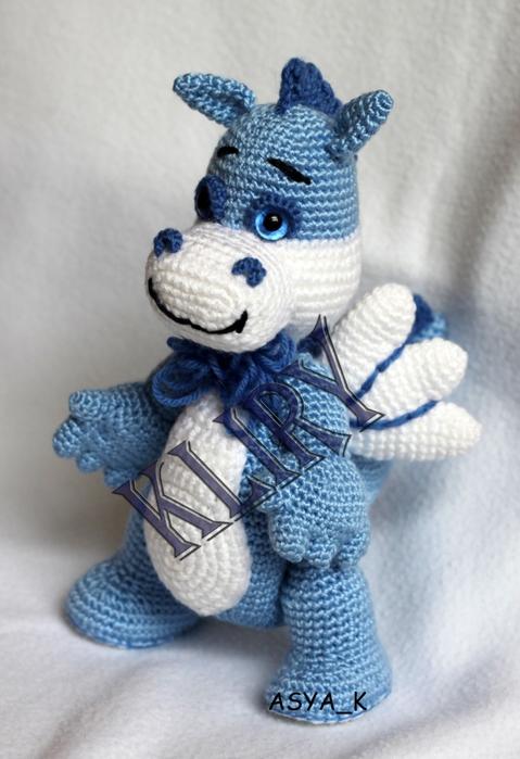 вязаный голубой дракончик к новогодним праздникам вязаные игрушки